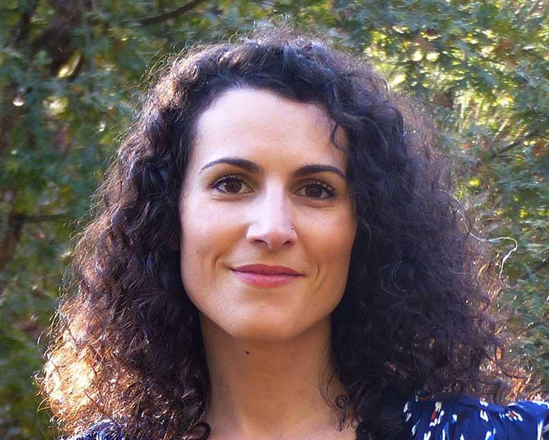 Iori, psychologue, médium et auteur.